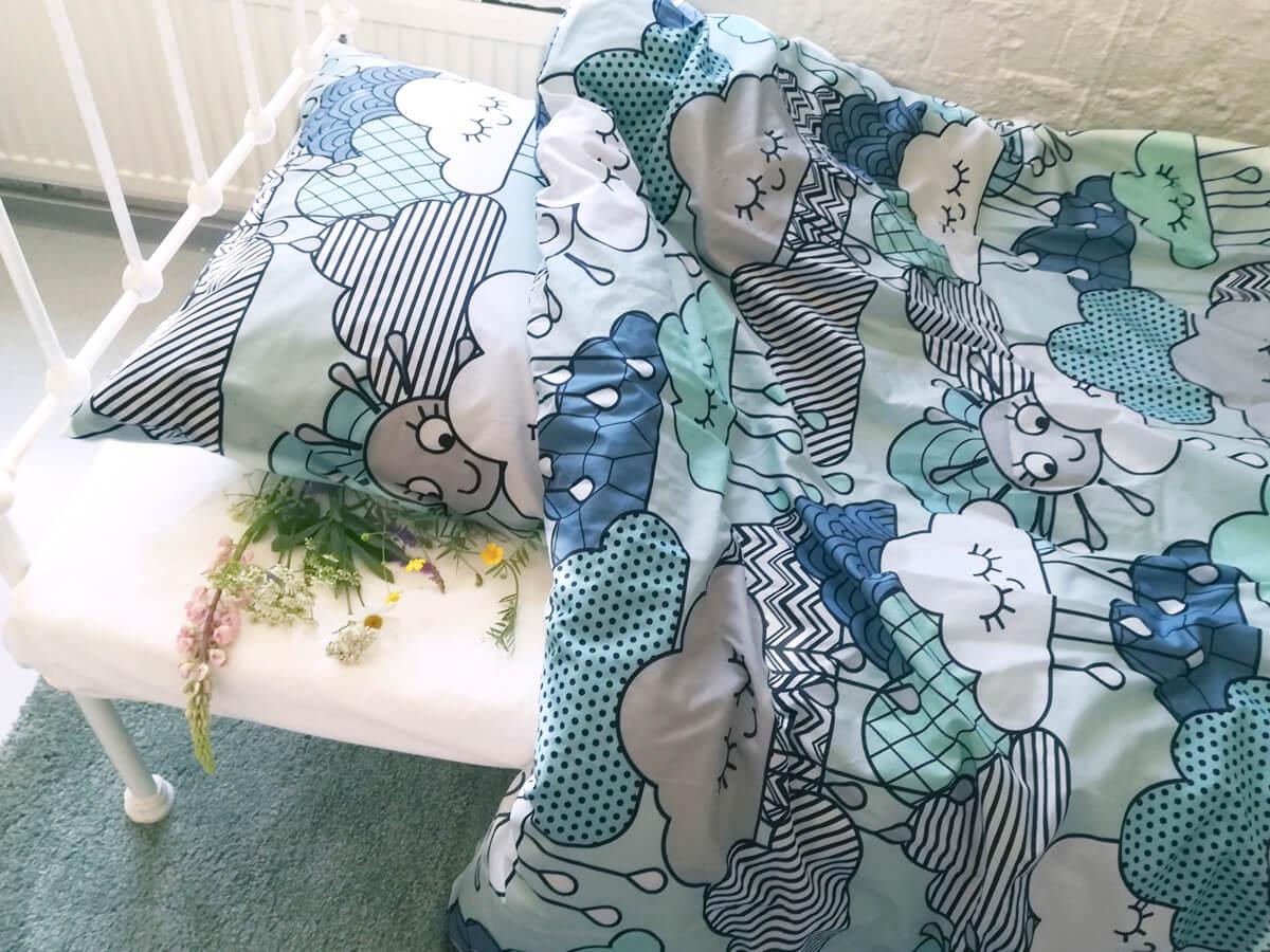 Luonnonkukat tyynyn alla, pilvilakanat