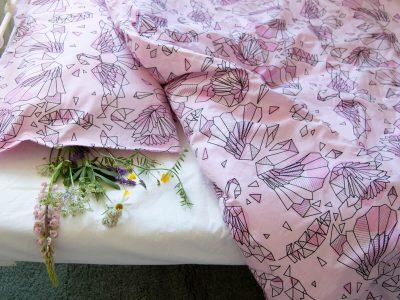 vaalenpunaiset pussilakanat