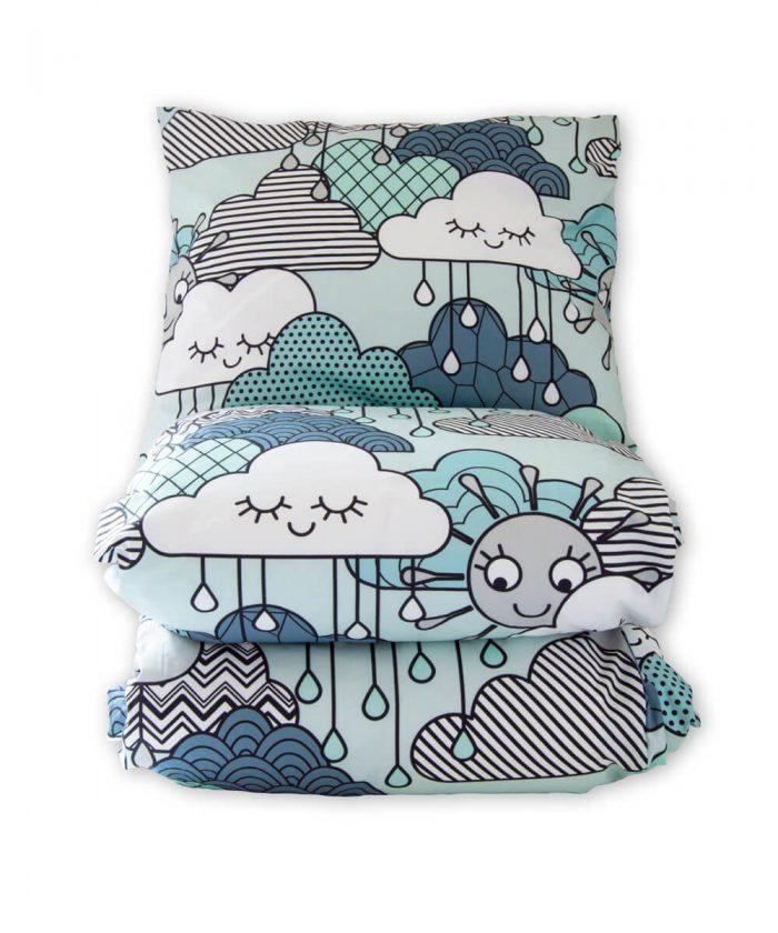 Pilvikuvioinen pussilakanasetti.