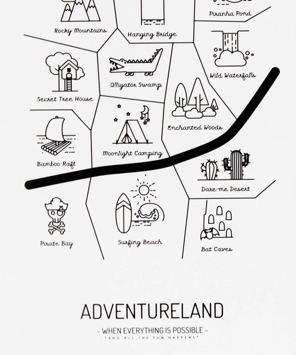 ADVENTURELAND -juliste, jossa karttaan merkittynä 13 jännittävää paikkaa, kuten Pirate Bay ja Wild Waterfalls.