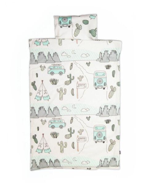 Vauvan pussilakanasetti, kaktusaavikkokuvio pussilakanassa ja tyynyliinassa.