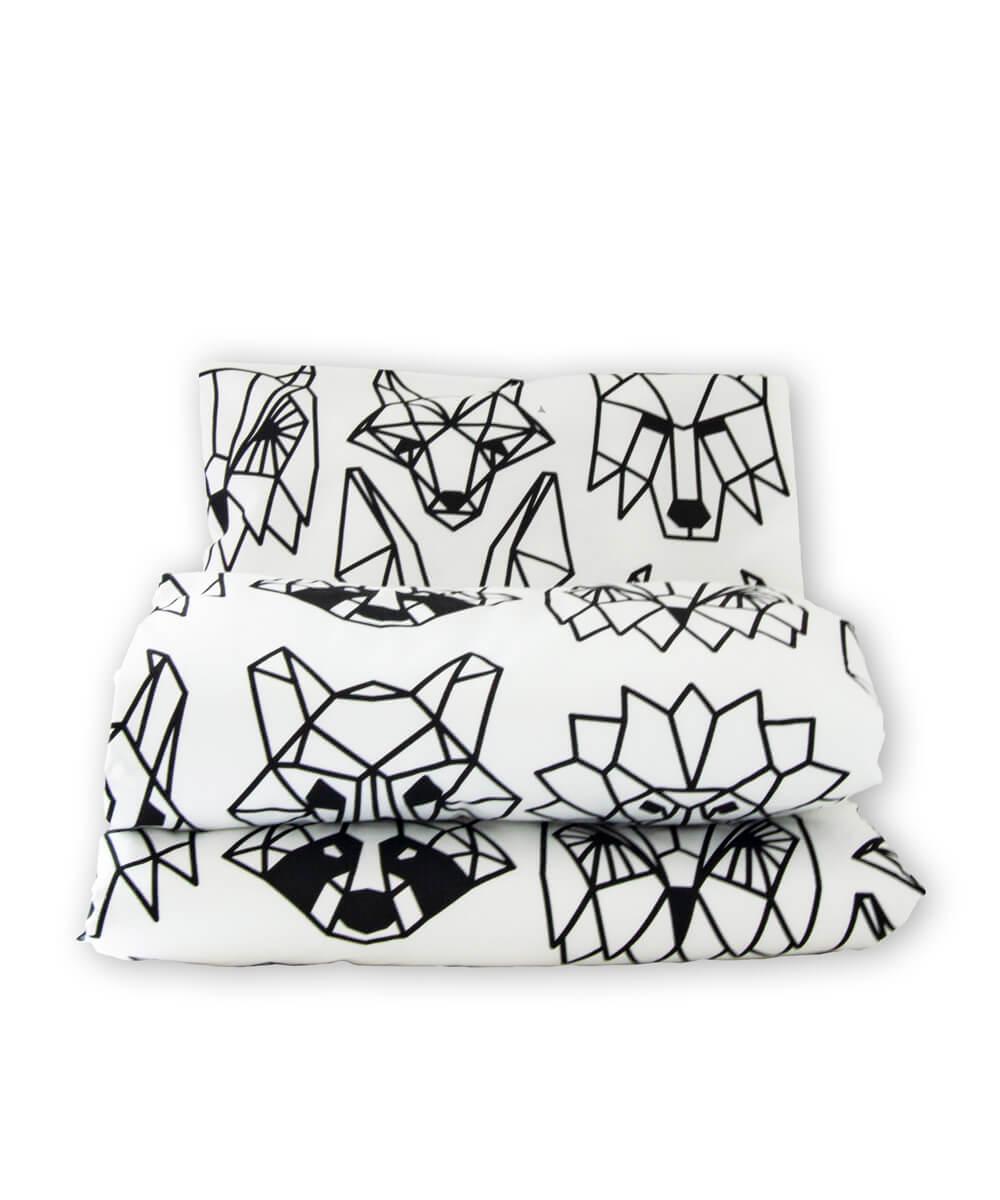 Vauvan pussilakanasetti, pussilakana ja tyynyliina luomupuuvillaa, mustavalkoinen eläinkuvio painokuosi.